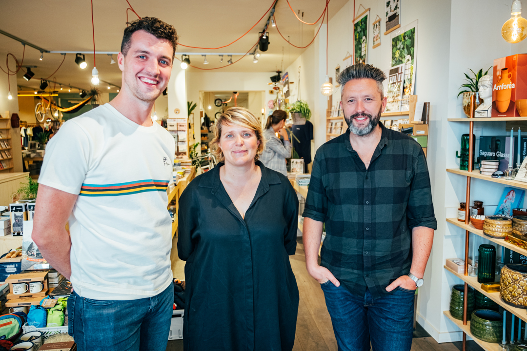 Thomas Vanderhoydonck, Sofie Van der Ven en Wouter Cajot van cadeauwinkel Mark Antwerpen