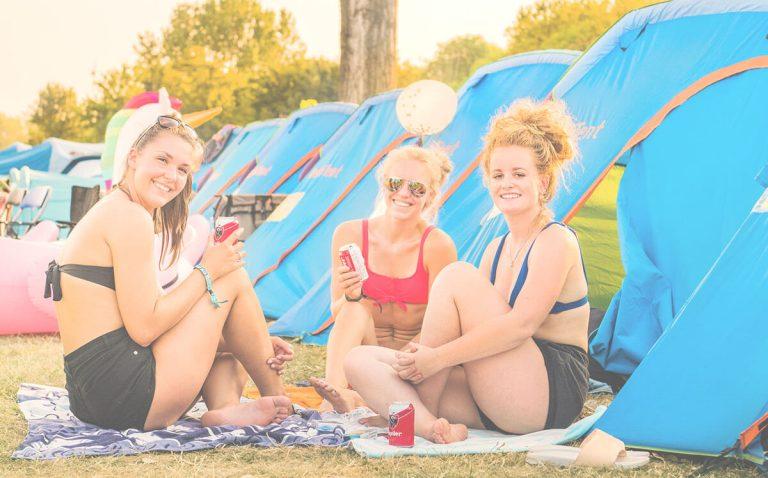 De beste website voor het boeken van tenten op festivals